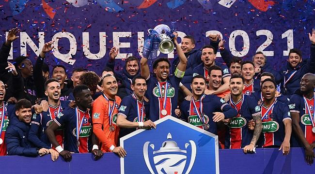 PSG bu sezonu da boş geçmedi, kupasını aldı!