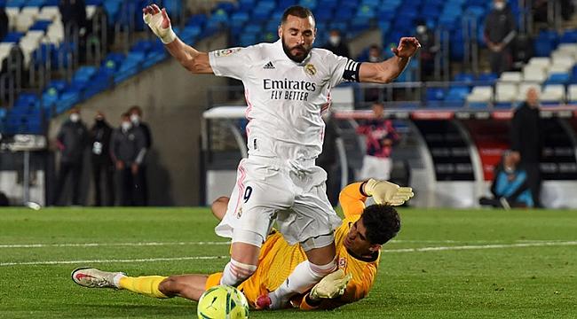Real Madrid'e 4 gollü darbe! Atletico zirvede tek...