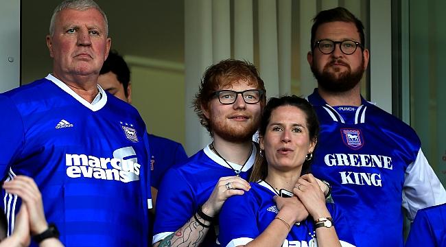 Ünlü şarkıcı Ed Sheeran forma sponsoru oldu
