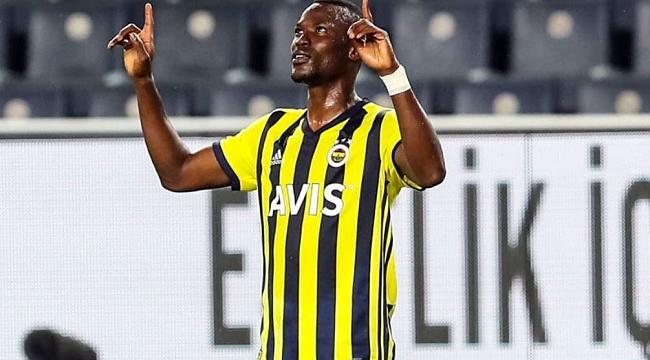 Fenerbahçe iki ismi kulüp arıyor
