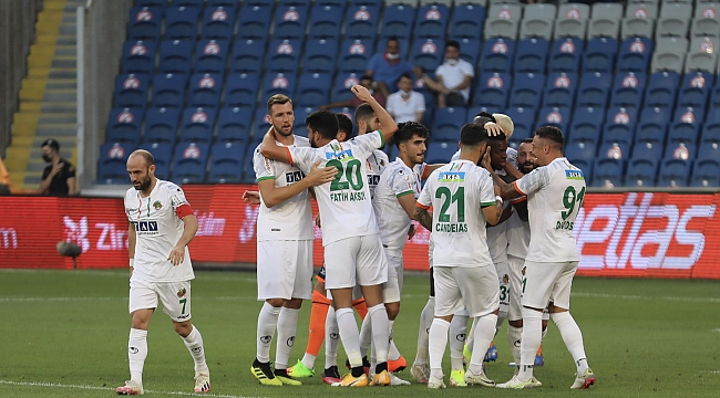 Alanyaspor, İstanbul'da sezona galibiyetle başladı