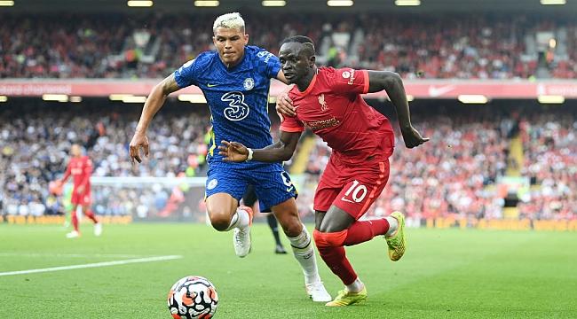 Dev maçta 2 gol, 1 kırmızı