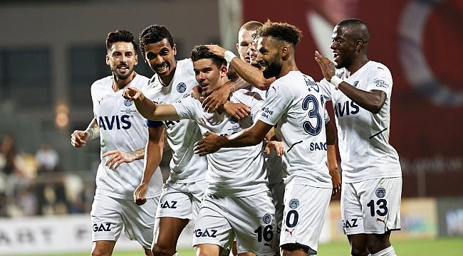 Fenerbahçe'den İzmir'de üçlük!