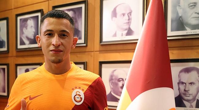 Galatasaray'dan 5 yıllık sözleşme