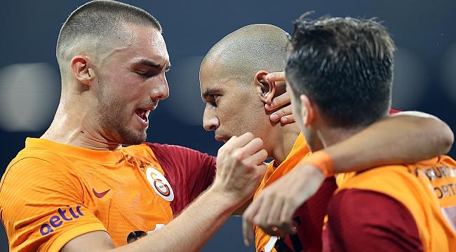Galatasaray'dan altın kafa!