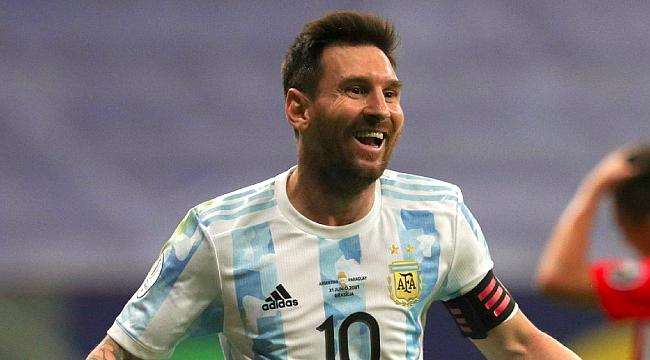 Lionel Messi imzayı atıyor!