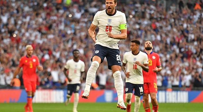 İngiltere ikinci yarıda açıldı