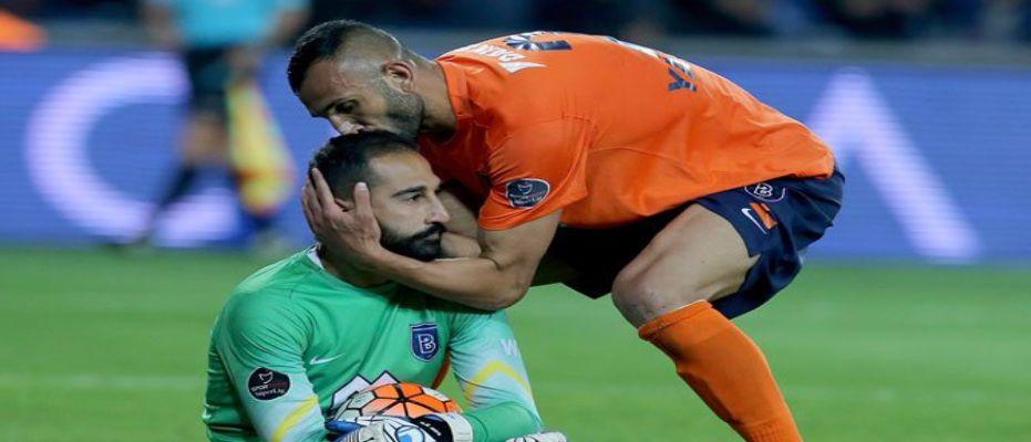 Başakşehir'de yaşananlar Fenerbahçe ve Beşiktaş'a yaradı