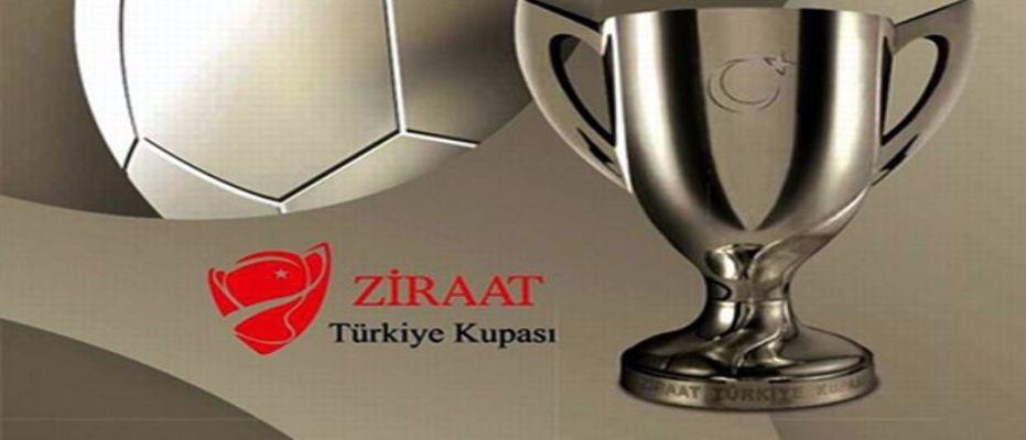Medipol Başakşehir - Fenerbahçe maçının 11'leri belli oldu