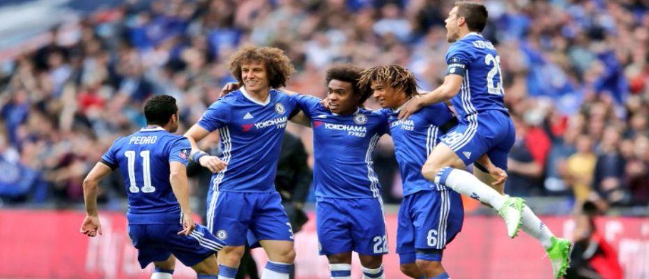 Derbide gülen Chelsea finalist oldu