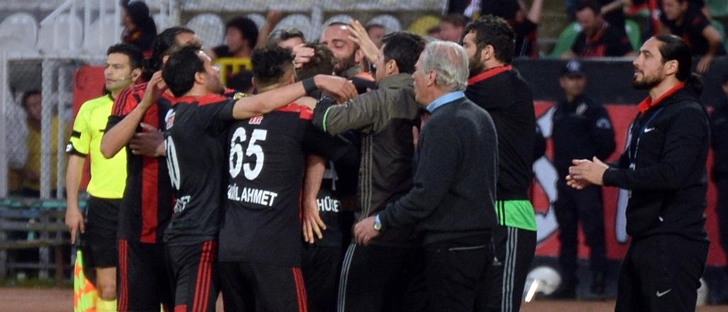 Efsane futbolcuları Eskişehirspor'a güveniyor