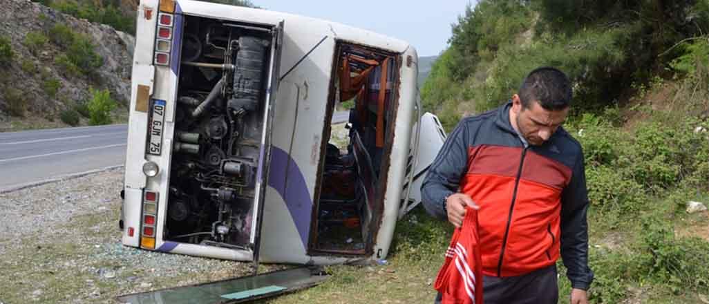 Antalyasporlu taraftarlar kaza yaptı
