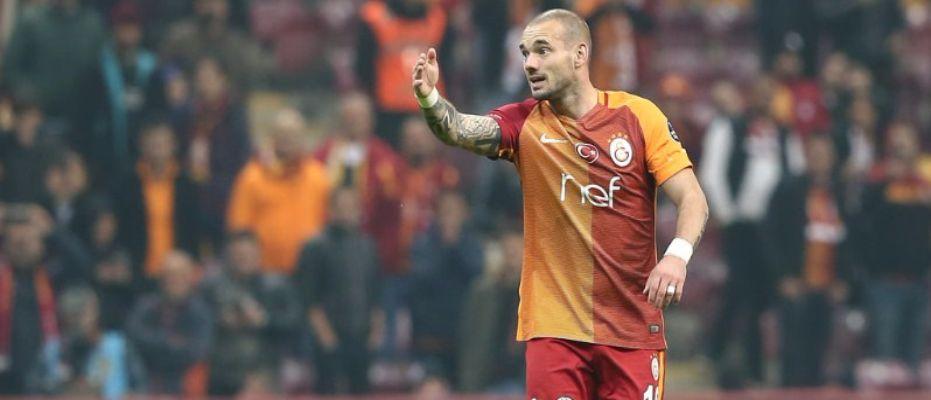 Asistlerin efendisi Sneijder