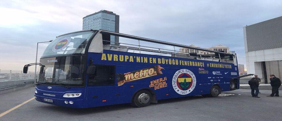 Kutlama öncesi otobüs talihsizliği